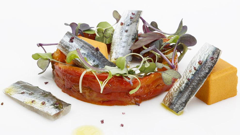 Ensalada de pimientos y sardinas