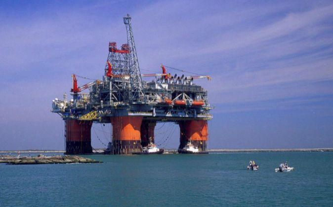 Imagen de instalaciones petrolíferas en el Golfo de México