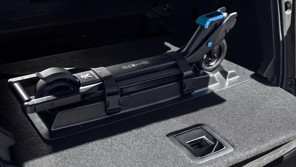 La batería del patinete eléctrico se podrá recargar con una toma...