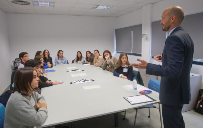 El profesor Jorge del Río, de la Universidad de Navarra, en una...
