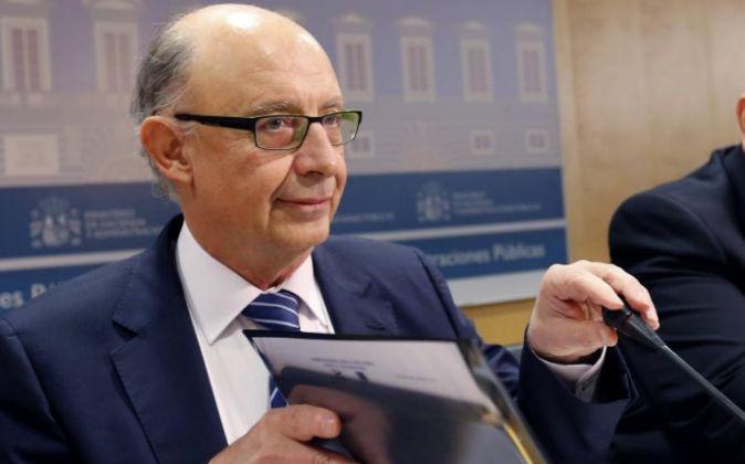 El ministro de Hacienda y Administraciones Públicas en funciones,...