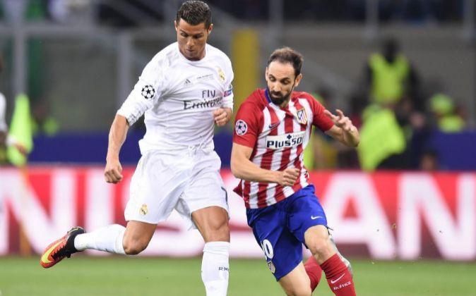 Cristiano Ronaldo junto a Juanfran.