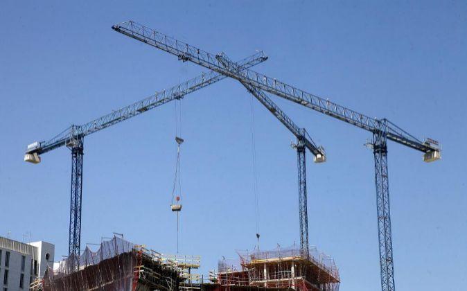 Construcción de viviendas nuevas.