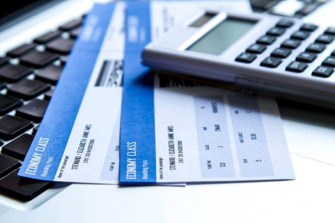 Sólo el 28% de los españoles reserva sus billetes en el momento...