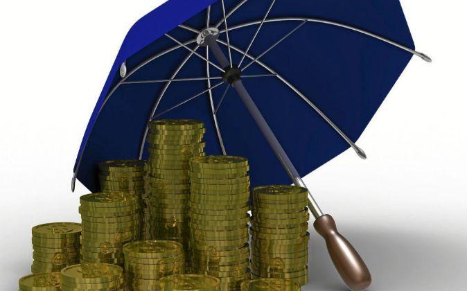 Ilustración de monedas protegidas por un paraguas