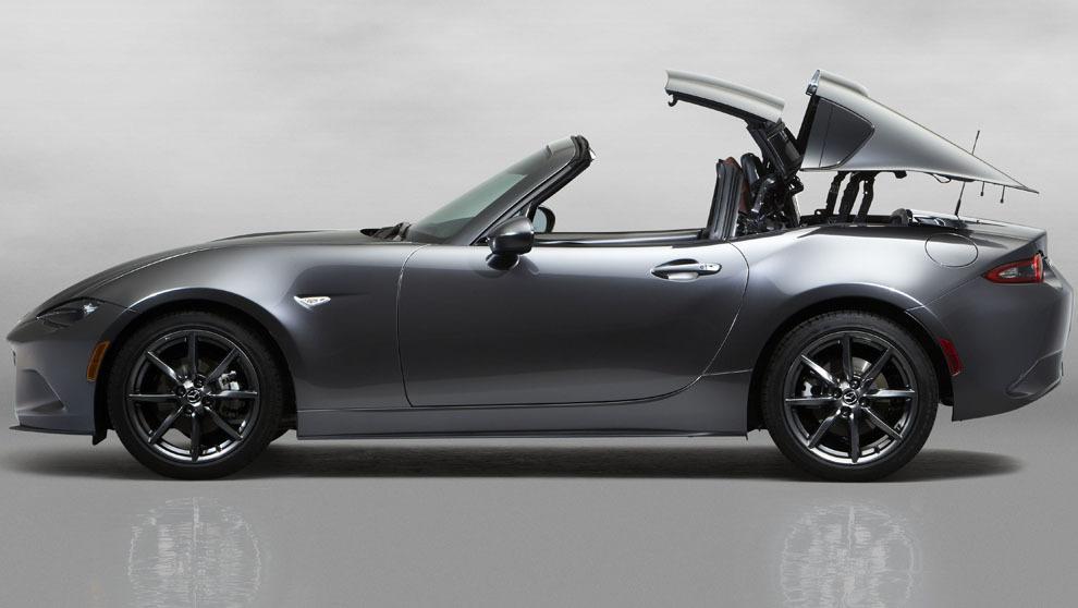 El nuevo modelo de Mazda cuenta con dos piezas que tras plegarse se...