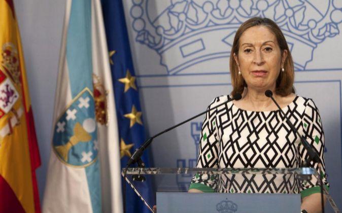 La ministra de Fomento en funciones, Ana Pastor, durante una visita...