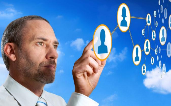 Debes buscar mentores y hacer de mentor para establecer un...