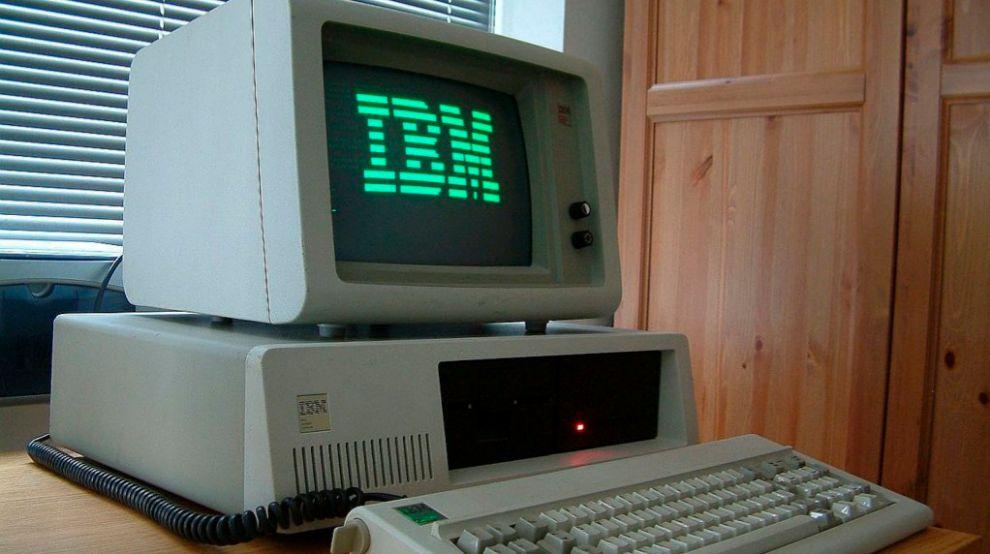 Ordenador de IBM de los años 80.