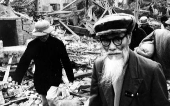 Consecuencias de los bombardeos estadounidenses sobre Hanoi.