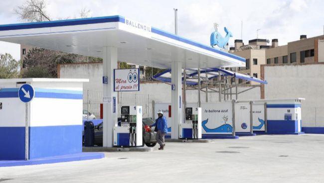 Las gasolineras 'low cost', como las de Ballenoil, suponen...