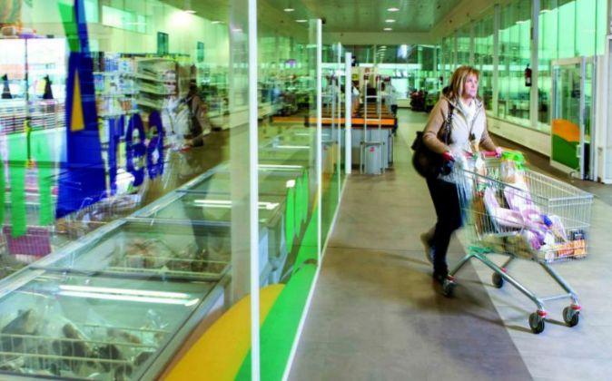 Imagen de un lineal en un supermercado.