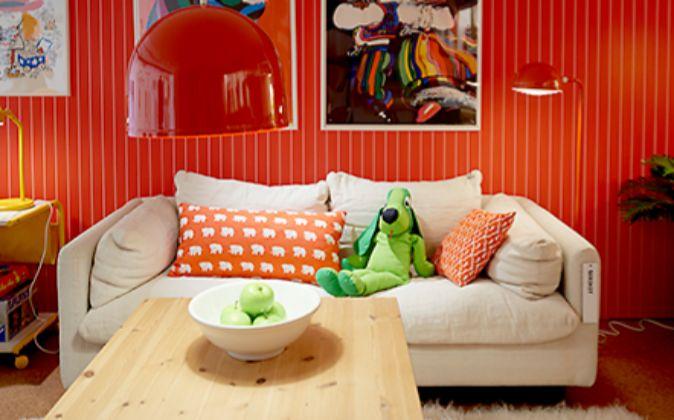 Un repaso por la historia de Ikea con piezas como el sofá Sirikit.