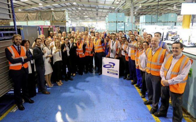 El 'premier' británico David Cameron durante la visita a la...