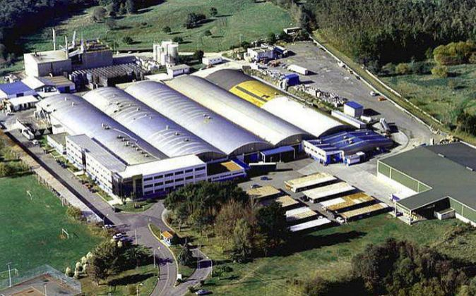 Vista aérea de la fábrica de Calvo en Carballo (A Coruña), que...