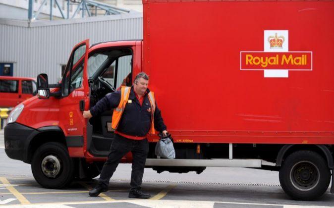 Un trabajador de Royal Mail, los Correos británicos.