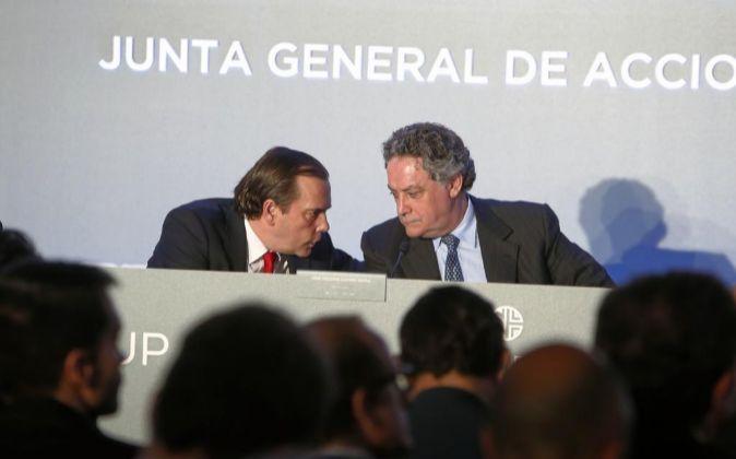 Federico González Tejera y José Antonio Castro en la junta de NH.