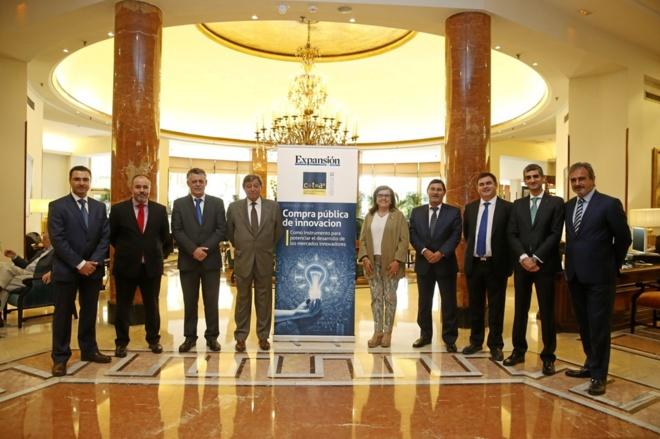 Desde la izquierda, Miguel Ángel Bernal Blay, director general de...