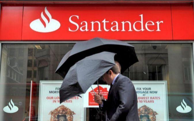 Imagen de una sucursal de Santander en Reino Unido