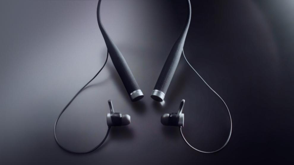 Los auriculares VI llevan incorporada una inteligencia artificial que...