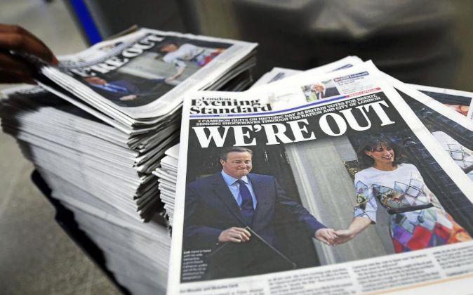 Vista general de la portada del periódico vespertino londinense...