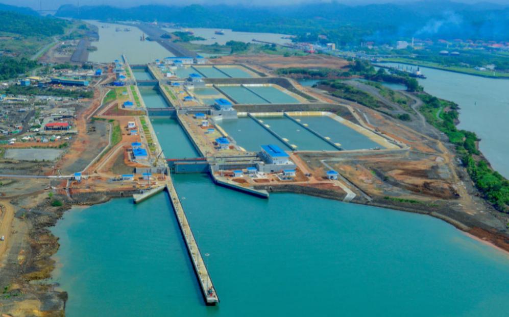 Imagen de la esclusa de Cocolí, una de las ampliaciones del Canal de...