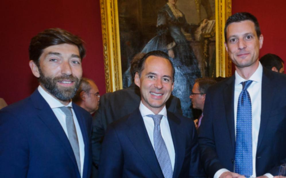 De izqda. a dcha., Davíd Díaz, socio de Baker &McKenzie en Madrid;...