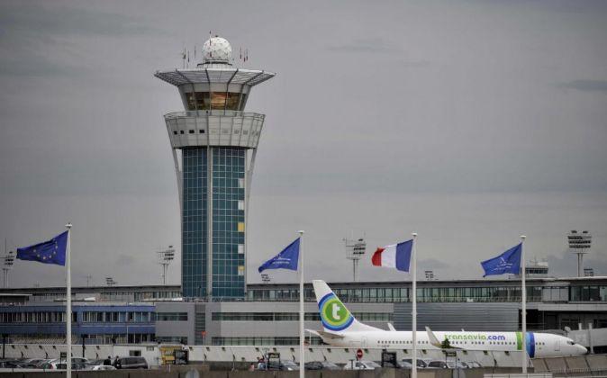 Torre de control del aeropuerto francés de Orly.