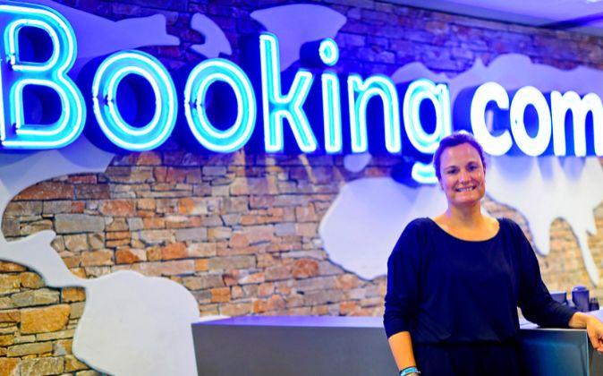 Gillian Tans asumió el puesto de consejera delegada de Booking.com en...
