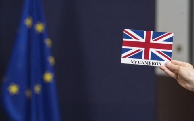 Vista del distintivo para el primer ministro británico David Cameron.