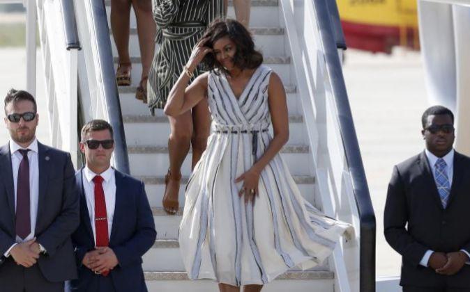 La primera dama de EEUU, Michelle Obama, a su llegada a la base de...