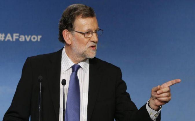 El presidente del PP, Mariano Rajoy, en la rueda de prensa tras...
