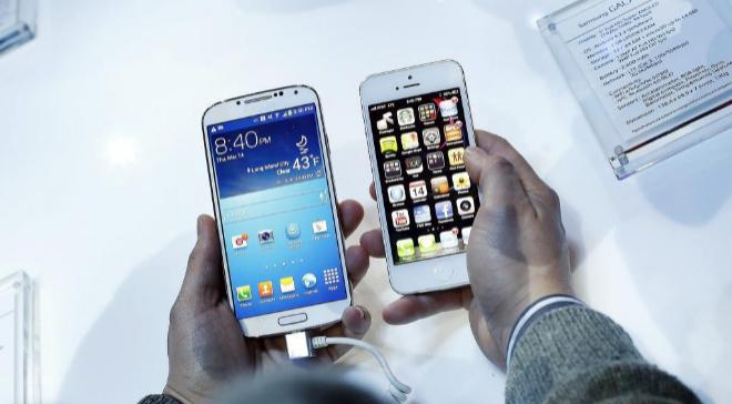 El Samsung Galaxy S4 y el iPhone 5.