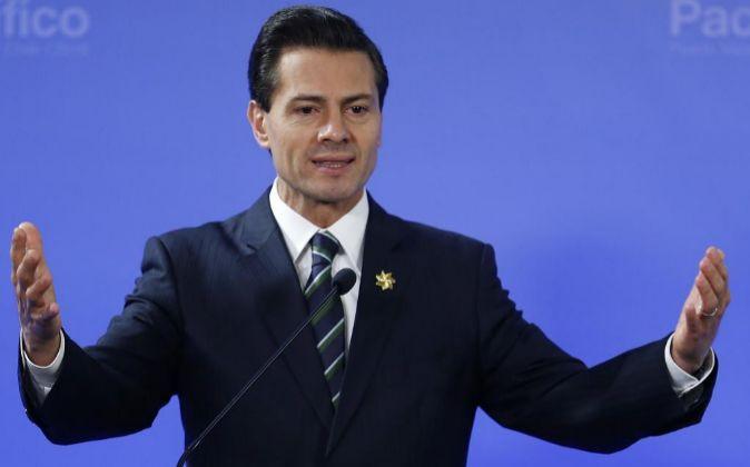 El presidente de México, Enrique Peña Nieto, participa en la...