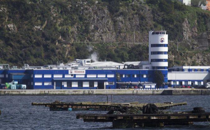 Sede principal en Chapela (Redondela), en la ría de Vigo, de la...