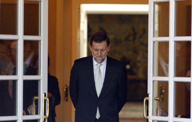El presidente del Gobierno en funciones, Mariano Rajoy, en actitud...
