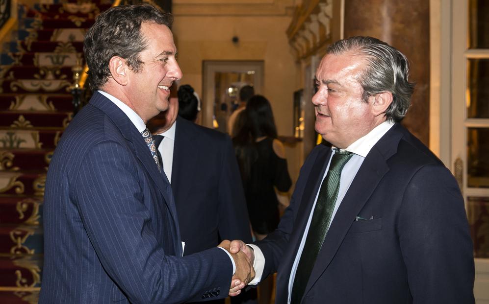 El secretario de Estado de Economía saluda a Miguel Ángel Belloso,...