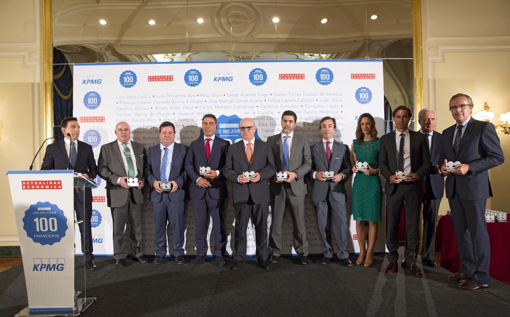 Sexto grupo de premiados: Carlos de la Fuente, de Megafood; Daniel...