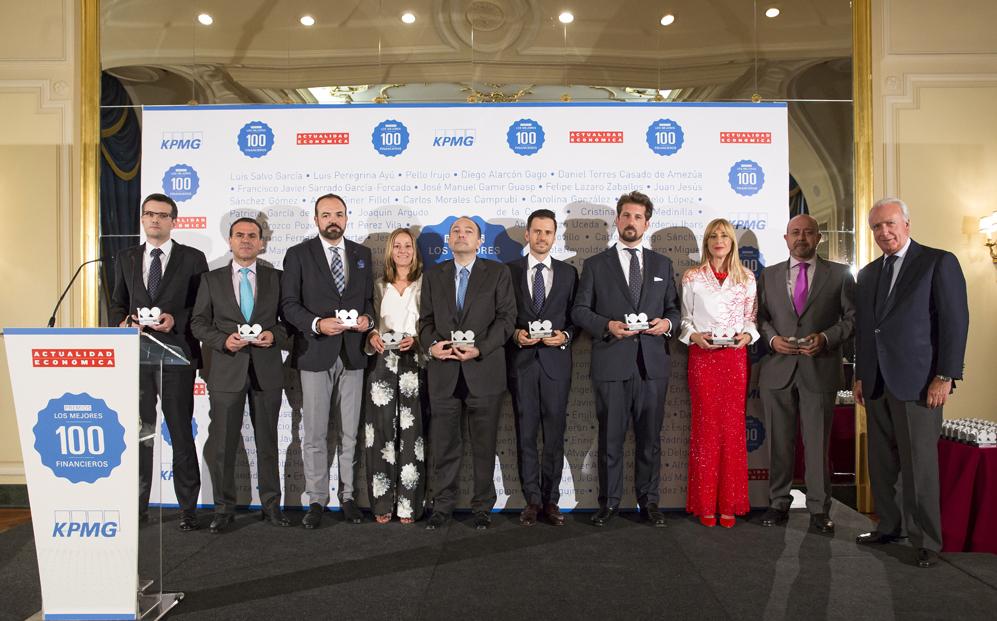Otro grupo de premiados: Martín Martínez, de Condepols; Pau...