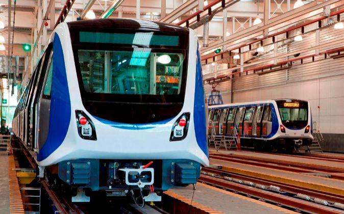 Tren de CAF en el metro de Bucarest