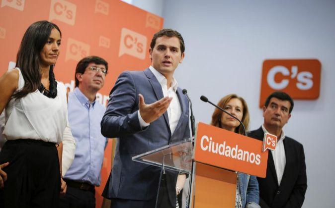 El presidente de Ciudadanos, Albert Rivera, durante una rueda de...