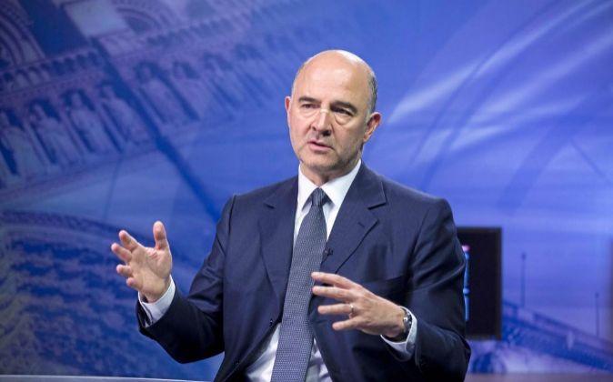 El comisario europeo de Asuntos Económicos y Monetarios Pierre...