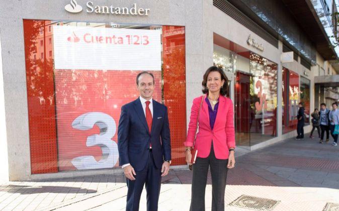 Rami Aboukhair, 'country head' de Santander España, y Ana...