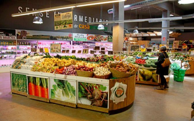 Interior de un supermercado Casa Ametller.