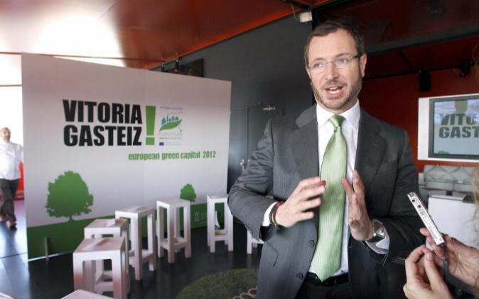 El ex alcalde de Vitoria y vicesecretario sectorial del PP, Javier...