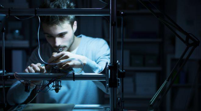 <STRONG>DE PROFESIÓN, DISEÑADOR DE ÓRGANOS 3D</STRONG>...