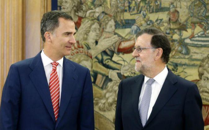 El rey Felipe VI recibe al presidente del Gobierno en funciones,...