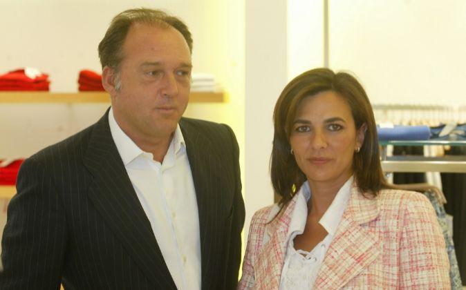 Pepe Barroso, fundador de Don Algodón, junto a su esposa en la...