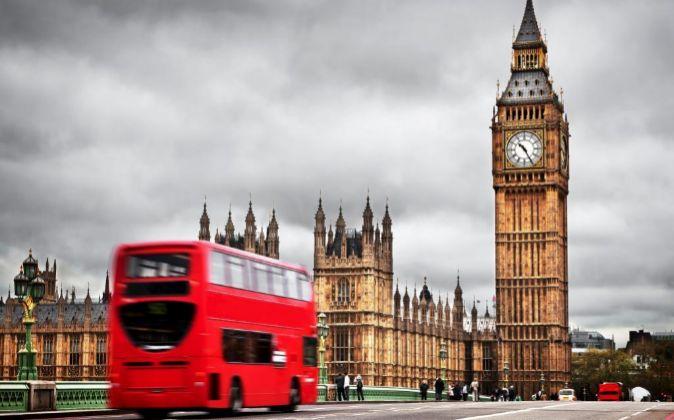 Los turistas extranjeros se benefician de la caída de la libra.