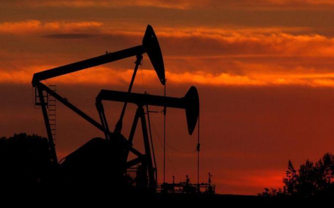 Imagen de un campo petrolífero